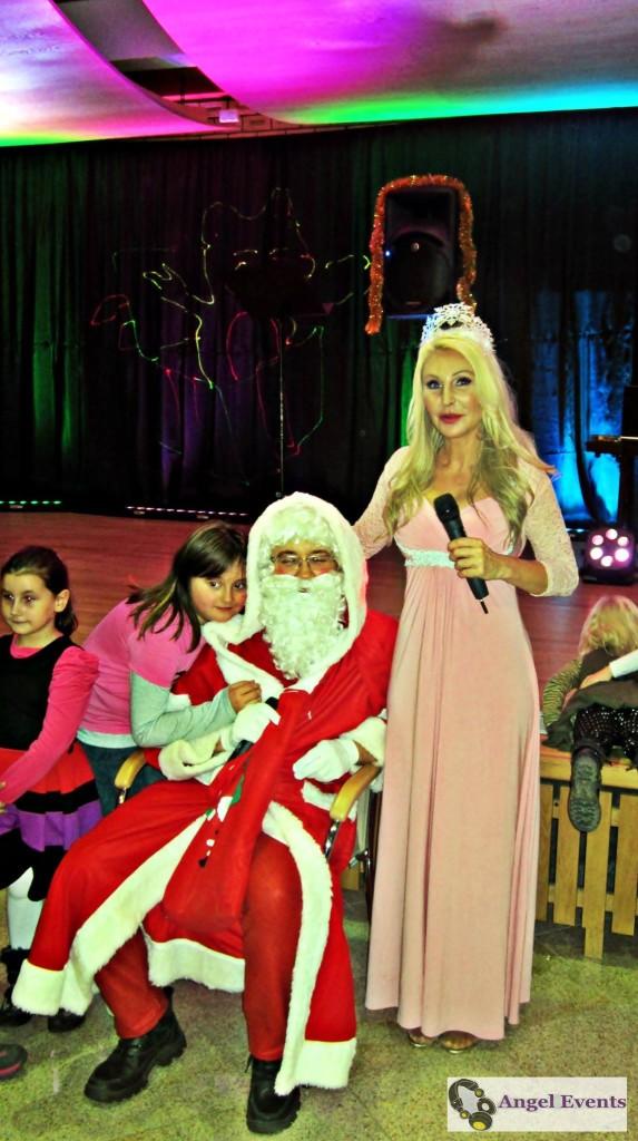 Impreza świąteczna dla dzieci z Powiatowego Centrum Pomocy Rodzinie
