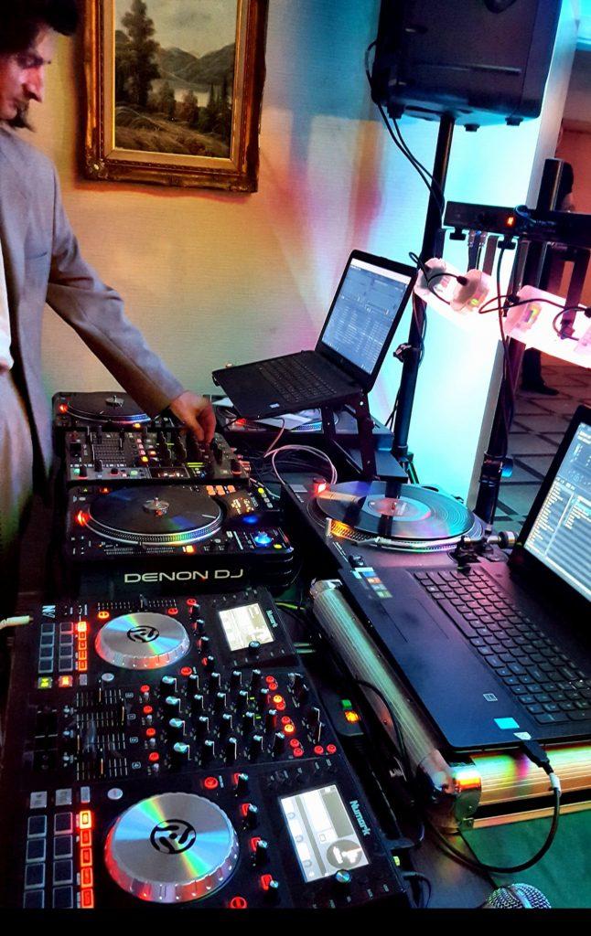 Konsolety DJ-skie Denon,Numark,Technics