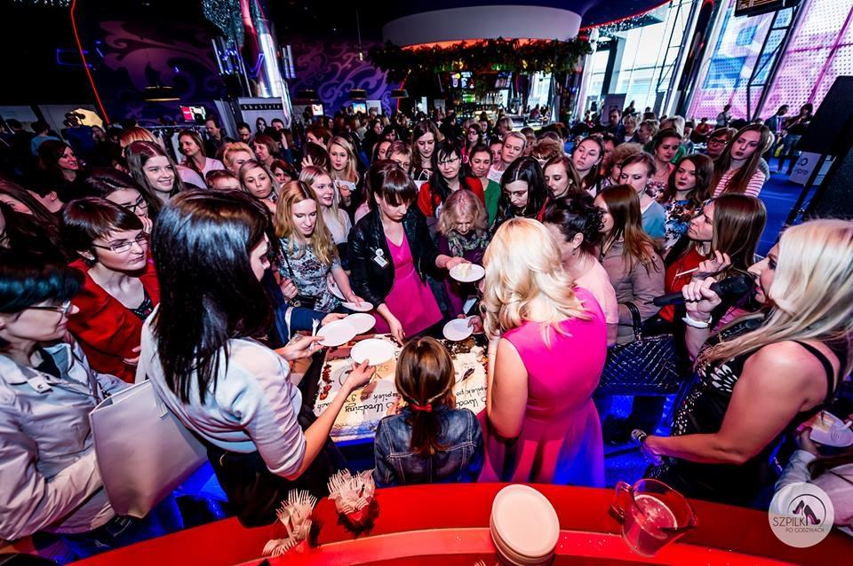 Złote Tarasy. Event na Dzień Kobiet dla Szpilki po godzinach
