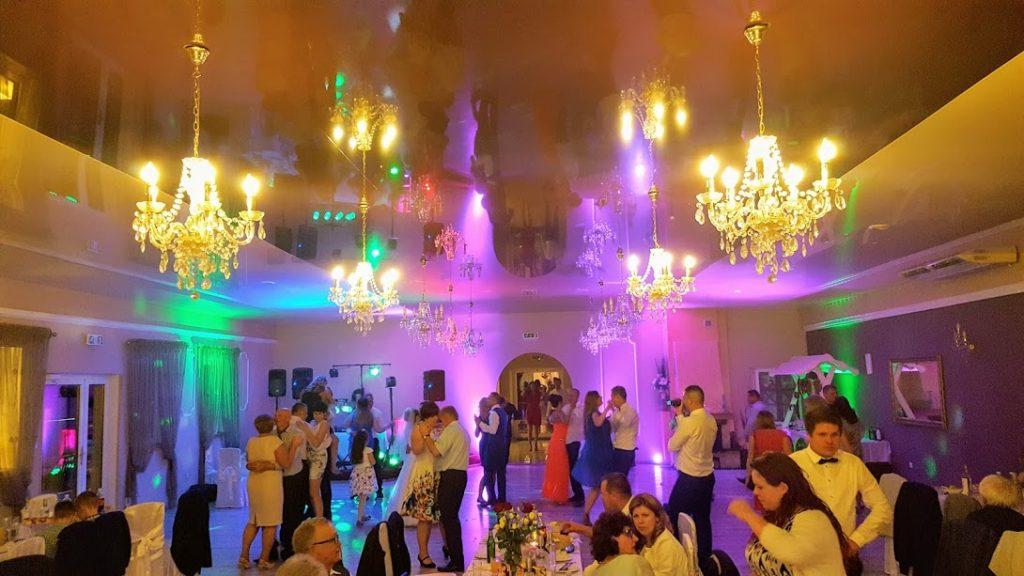 Dekorcja światłem sali tanecznej.AngelEvents
